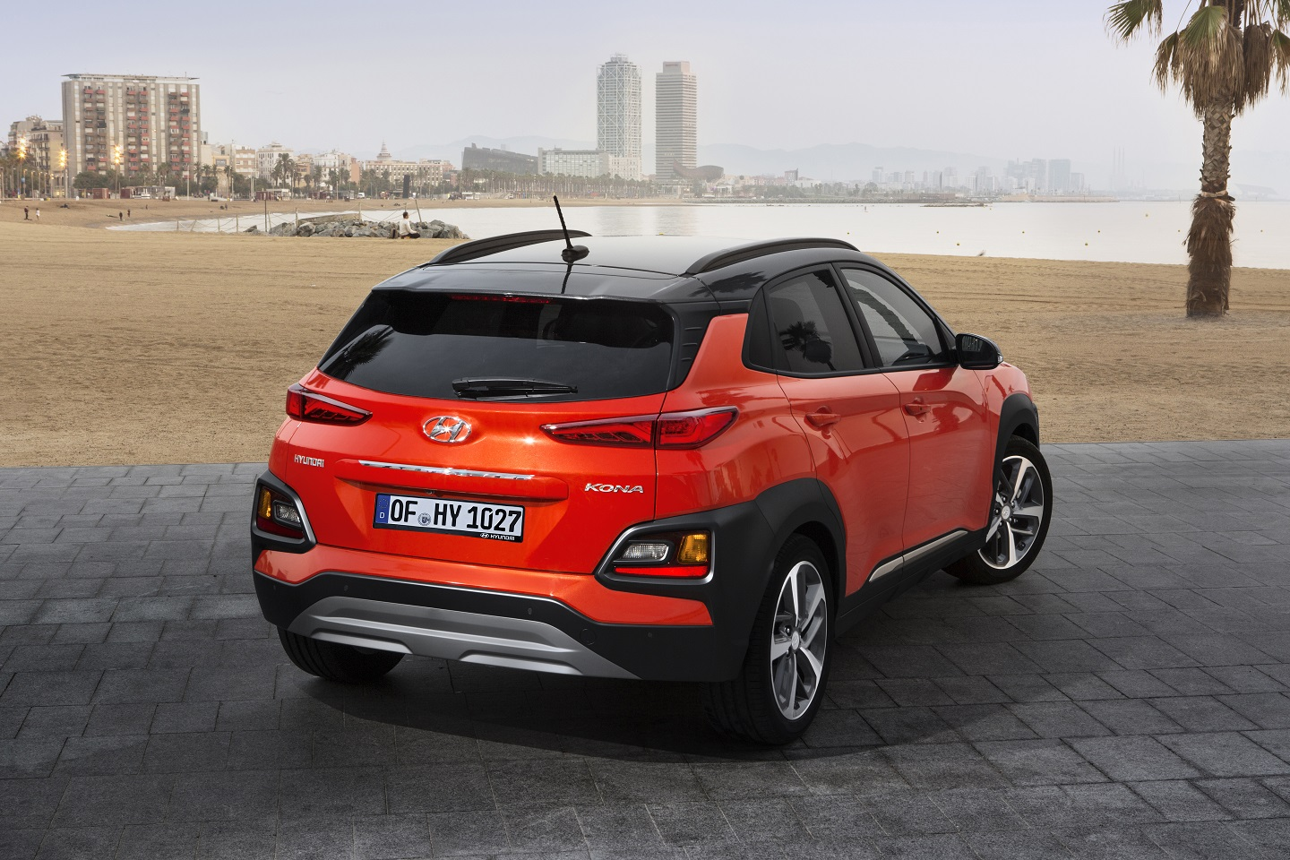 Hyundai Kona Pulse Red two-tone