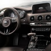 Kia-Stinger-Interieur