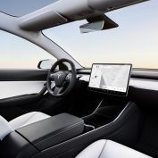 Tesla Model 3 zwart en wit interieur