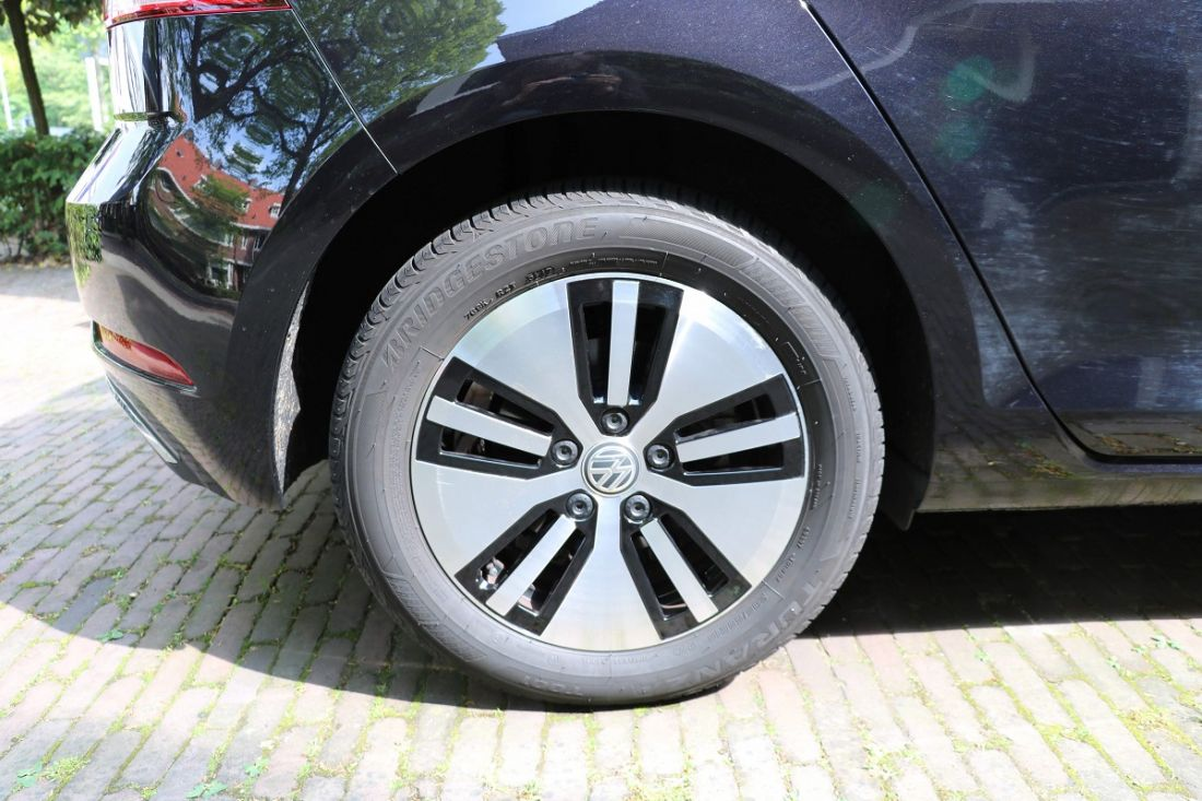 volkswagen-e-golf-activlease3