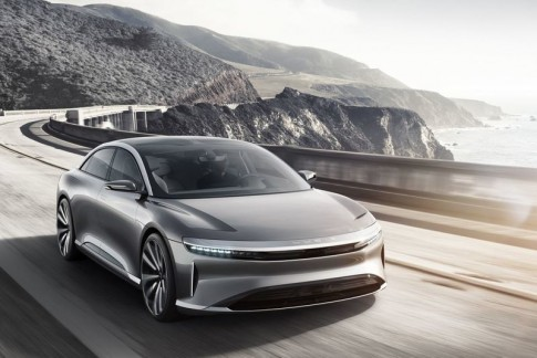 Chinese beauty bedreigt Tesla, BMW en Mercedes