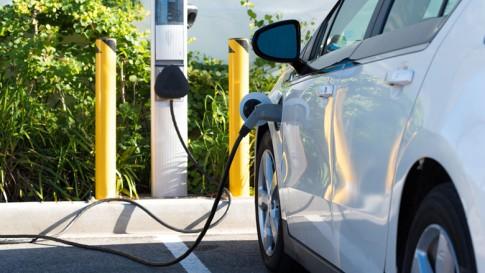 Opladen Van Elektrische Auto Goedkoper En Efficienter Door Qurrent