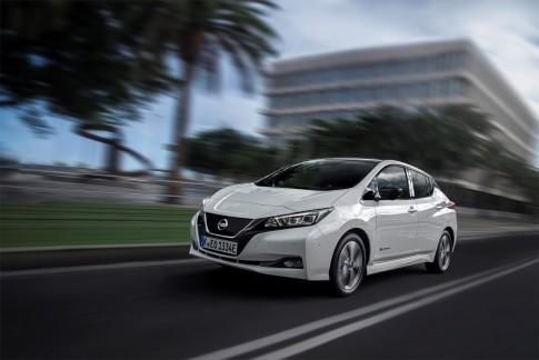 Nissan Leaf Met Propilot De Elektrische Auto Die Zelf Rijdt En