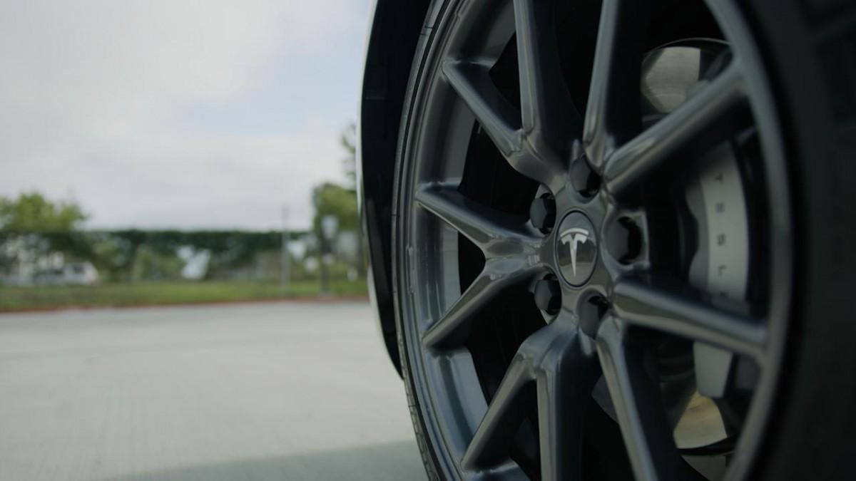 Tesla Model 3 Aero Velgen Vs Standaard Velgen Wat Is