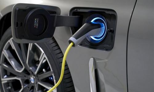 BMW wil PHEV's maken met 100 kilometer elektrisch bereik