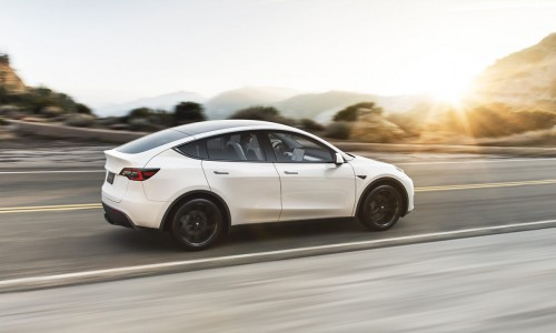 Video: Tesla Model Y Performance neemt het op tegen Model 3 Performance