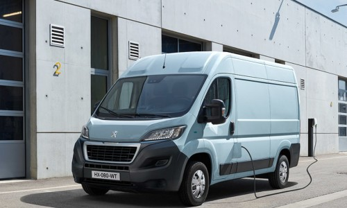 Peugeot maakt met de e-Boxer ook haar grootste bestelbus elektrisch