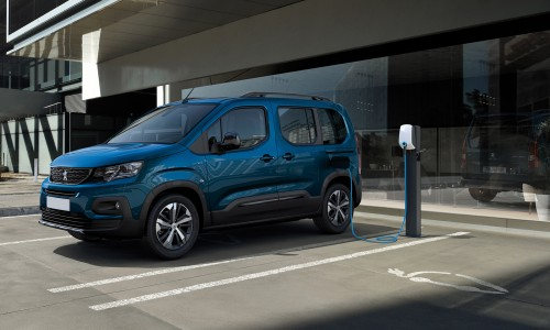 Peugeot toont de elektrische MPV e-Rifter