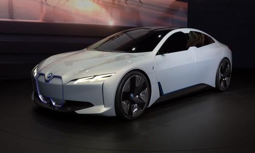 BMW wil 5 elektrische auto's hebben in 2021