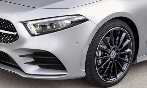 Naast elkaar: de nieuwe Mercedes A-klasse hatchback vs sedan