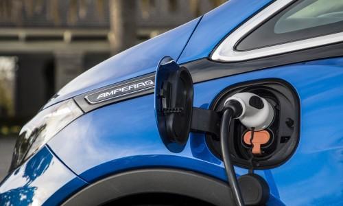 Aantal elektrische auto's in Nederland groeit met bijna 30%