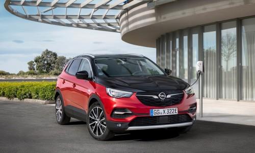 Opel legt zijn grootste SUV aan de stekker: Grandland X Hybrid4