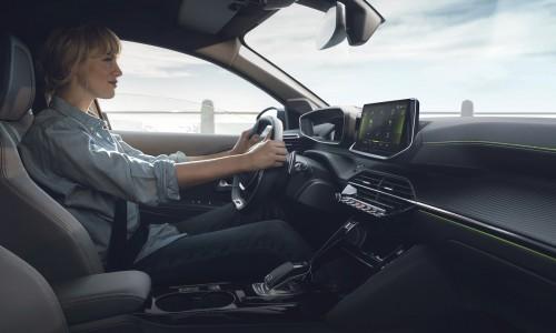 De Peugeot 208 heeft een futuristisch dashboard met 3D scherm