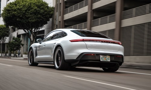Porsche Taycan begin 2020 al leasen? Bestel nu via ActivLease!