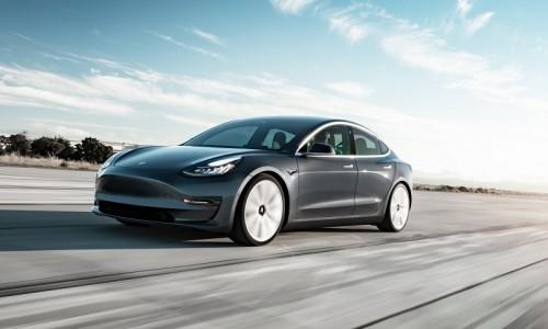 Het verschil tussen Autopilot en Full Self-Driving van Tesla