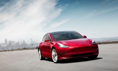 Tesla Model 3 haalt record laadsnelheid bij Fastned
