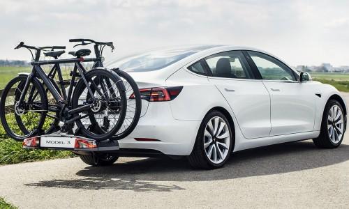 Tesla Model 3 met trekhaak voor fietsendrager of aanhanger