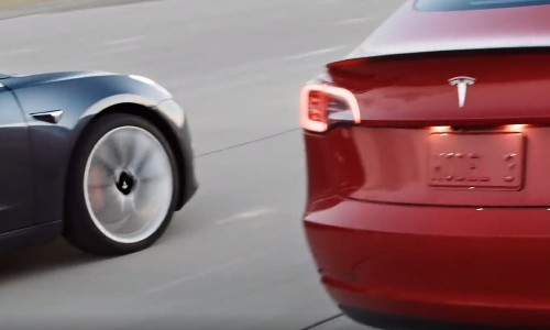 Video: Tesla Model 3 racet tegen andere EV's en nieuwe Toyota Supra