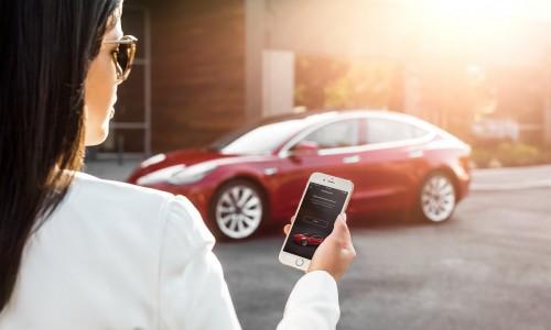 Tesla auto's krijgen een Sentry Mode om diefstal te voorkomen