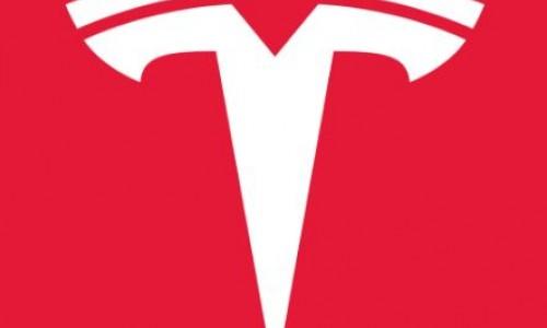 """""""Tesla werkt samen met AMD aan chip voor zelfrijdende auto's"""""""