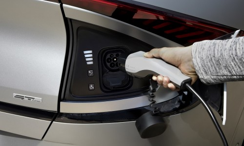 Elektrische en hybride auto's nu populairder dan diesel in Europa