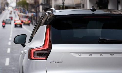 Volvo XC40 Recharge ook mogelijk met trekhaak en fietsendrager